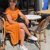 Tout en confort et en fluidité, la robe longue Tinta est mise à l'honneur aujourd'hui.  #fashion #mode #rennesmaville #commerçant #bloggerstyle #boutiquemode #lookdujour #lookoftheday #inspiration #ootd #outfit #robe #longue #robelongue #ocre #orange #tinta #diplodocus #jean #brut #nouvellecollection #carrerennais #printemps2021 #ete2021